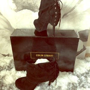 NIB Colin Stuart Suede Black Booties